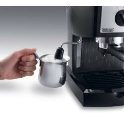 Delonghi EC156.B kávéfőző | fekete